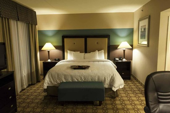 Hampton Inn and Suites Charlotte Airport: Kevin Hayden Photography