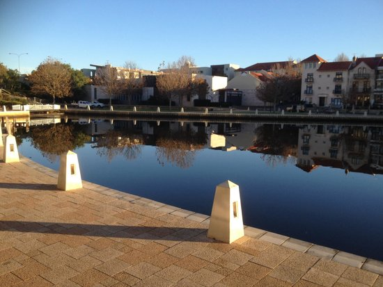 The Sebel East Perth: Morning walk around the hotel