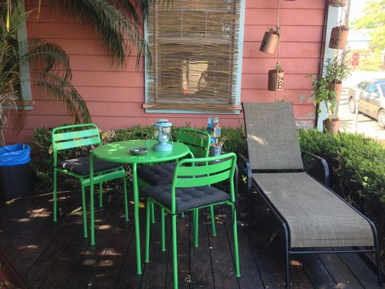 ITH Adventure Hostel San Diego: One Patio View