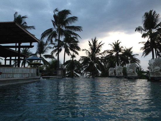 Bali Mandira Beach Resort & Spa: pool for adults only
