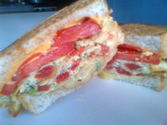 Wikked Chikkz: THIS WAS MY EGG, CHEESE AND TOMATO SANDWICH.... YUMMY!