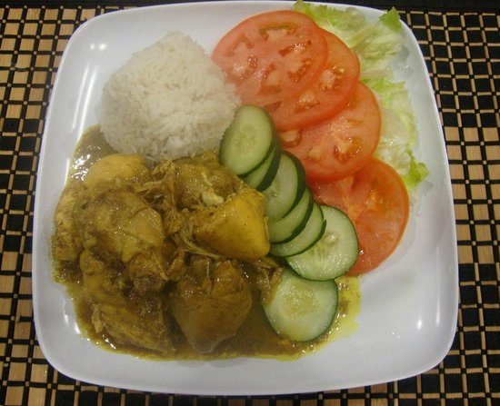 Wikked Chikkz: CURRY CHICKEN WITH RICE