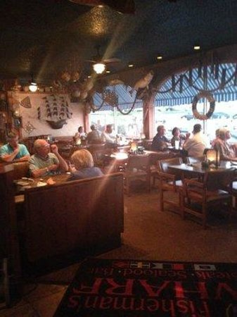 Fisherman's Wharf: Indoor dining room