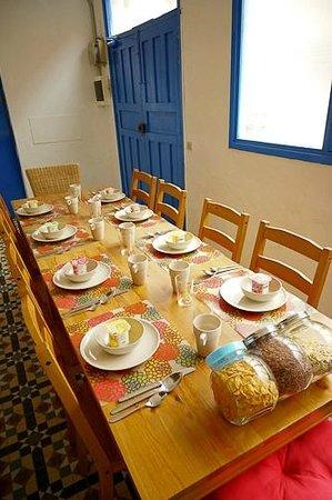 Sol Y Mar: Breakfast table