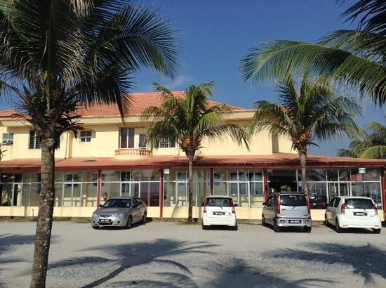 Intan Beach Resort Sdn Bhd: looking at hotel from the beach