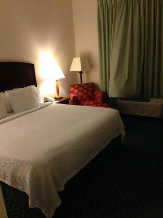 Fairfield Inn & Suites by Marriott Atlanta Alpharetta: Bed