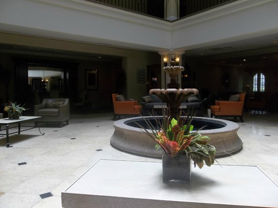 DoubleTree by Hilton Hotel San Antonio Airport : View of the lobby