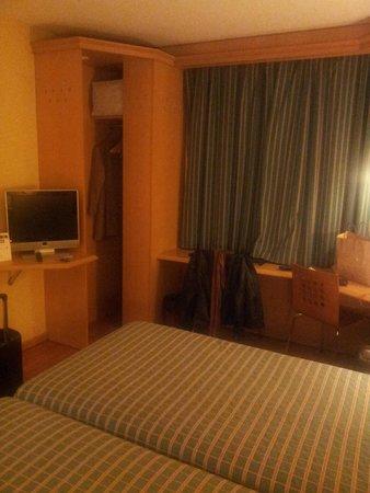NH Barajas: habitación 4