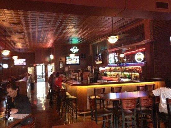Copper Penny Pub: Bar area