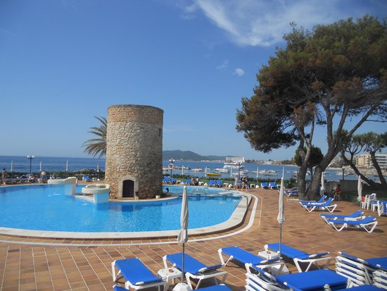 Hotel Torre del Mar : территория и бассейн