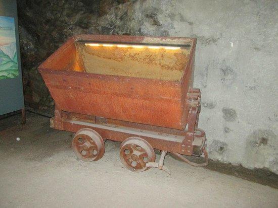 Bunker Mooseum: Carrello da miniera