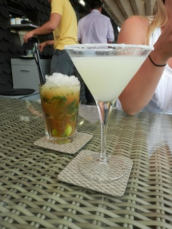 Bairro Alto Hotel: Coctails on the terrace
