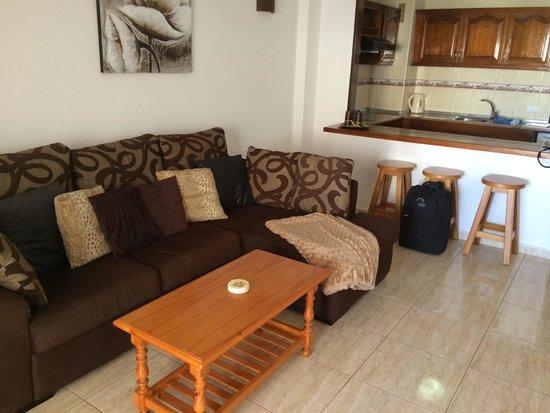 Paloma Beach Apartments: Living area