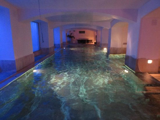 Boscolo Prague, Autograph Collection: Swimming pool in hotel spa