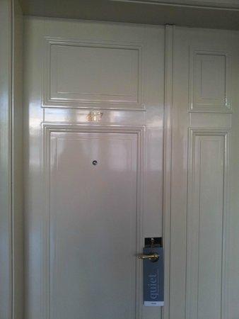 Barcelo Old Town Praha: puerta habitación