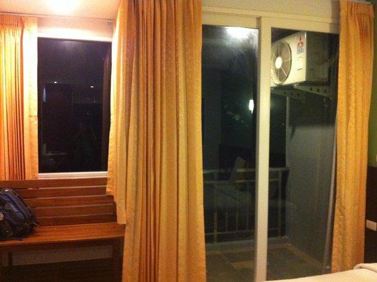 RCB Patong Hotel: room with veranda