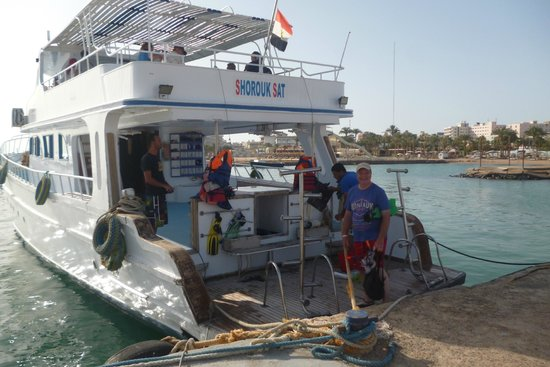 smartline COLOUR BEACH: All aboard for a great full day trip starts at the harbor on site