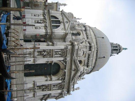 Santa Maria della Salute : Front View