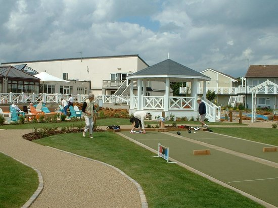 Warner Leisure Hotels - Corton Coastal Holiday Village: What no band!