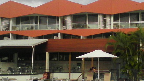 Hôtel Fleur d'Epée : grande terrasse