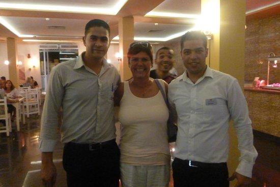 smartline COLOUR BEACH: New friends abroad