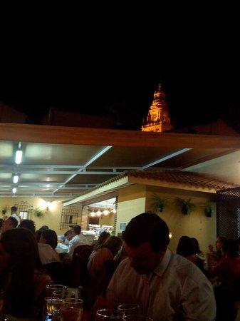 Restaurante Casa Palacio Bandolero: Vistas desde alguna de las mesas del patio-jardin