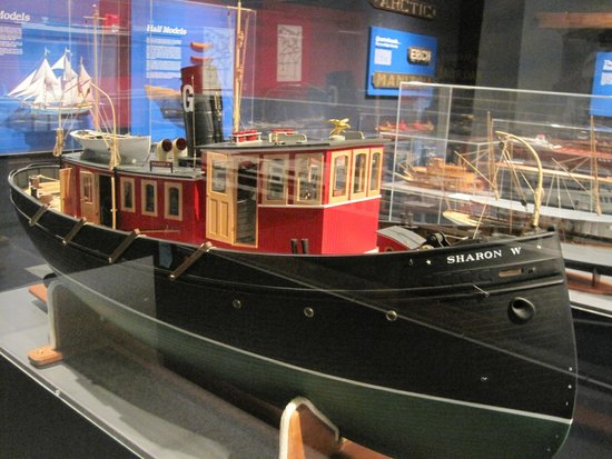 Wisconsin Maritime Museum: One of the dozens of ship models in the museum