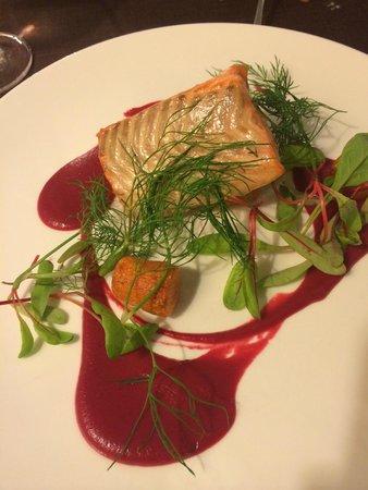 Valtera Restorans: Very Small entree portions