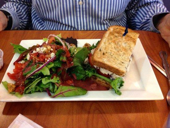 Berry Fresh Cafe : 1/2 chicken salad sandwich with bistro salad
