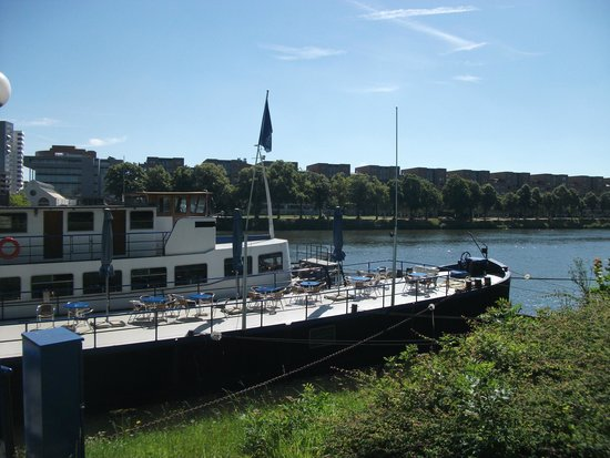 Botel Maastricht : From the street