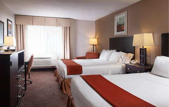 Holiday Inn Express Houghton - Keweenaw : Our standard rooms are spacious and comfortable with two queen beds