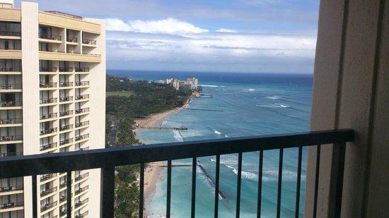 Hyatt Regency Waikiki Beach Resort Spa 38階からワイキキビーチ側をのぞむ