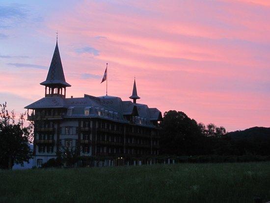 Gasthaus und Chalet Paxmontana: sunset