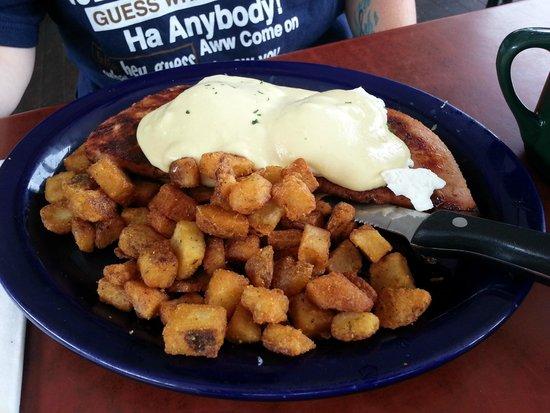 Keltic Kitchen : Wife Trip 2: Eggs Benedict on a 12oz Ham steak w/ Homefries