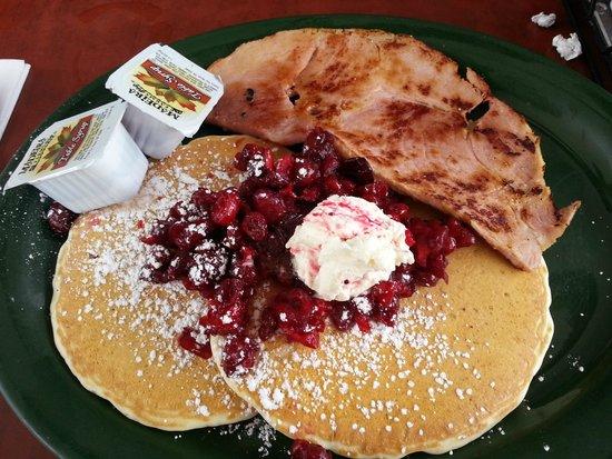 Keltic Kitchen : Me Trip 2: Buttermilk Pancakes w/ Cranberries and ham steak