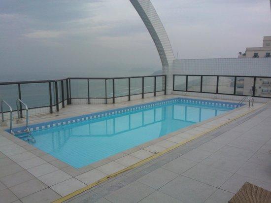 Mercure Santos: Vista da piscina do hotel