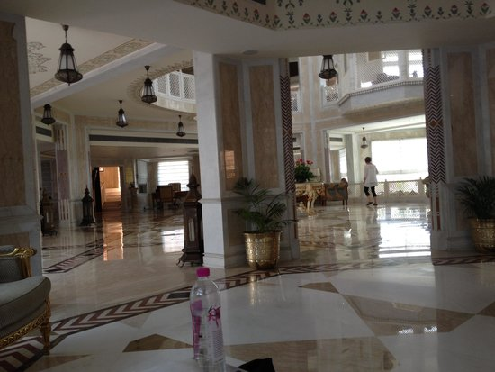 Wyndham Grand: The front lobby