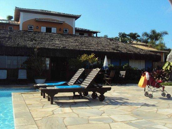 Pousada Corsário : Área da piscina e entrada do restaurante