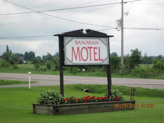 San-Man Motel: Sign for the motel