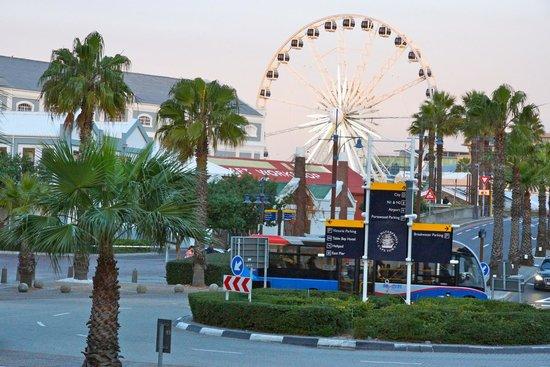 Victoria & Alfred Hotel: Ferris Wheel and Children Playground