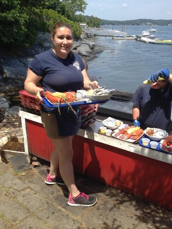 Cabbage Island Clambakes: Awesome service!
