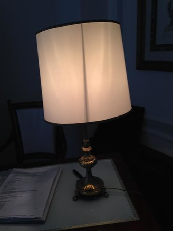 Grand Hotel Parker's : Lampshade on table in suite