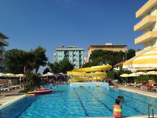 Hotel Vanni: Piscina