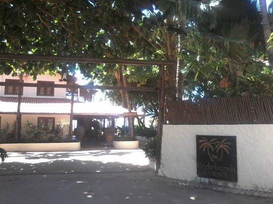 Rede Beach: Entrada do hotel.