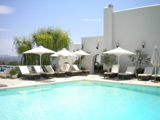 Camara Hotel : la piscine