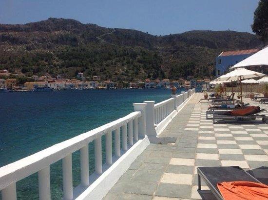 Megisti Hotel: terrazza e vista sulla baia