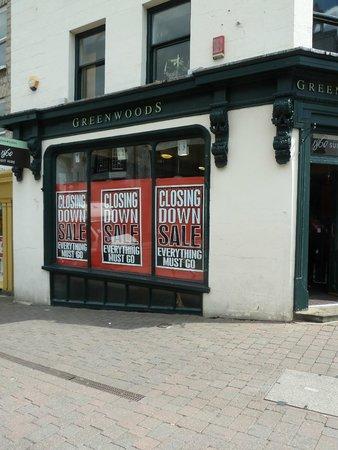 Kendal shops closing down