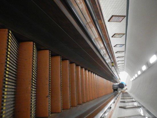 Sint Annatunnel: Escadas de madeira