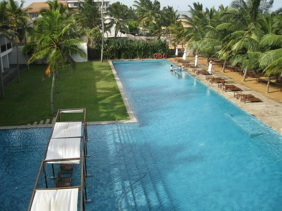 Jetwing Blue: Main Pool Area