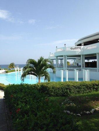 Grand Palladium Jamaica Resort & Spa: Main Pool